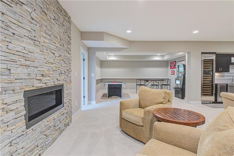 11569 WILLOW BEND Drive Zionsville, IN 46077 | MLS 21672765 | photo 34