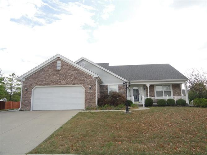 731  Creston Point Circle Indianapolis, IN 46239   MLS 21672924