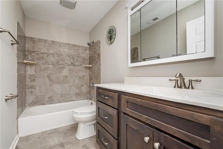 4902 GUION Road Indianapolis, IN 46254 | MLS 21672990 | photo 11