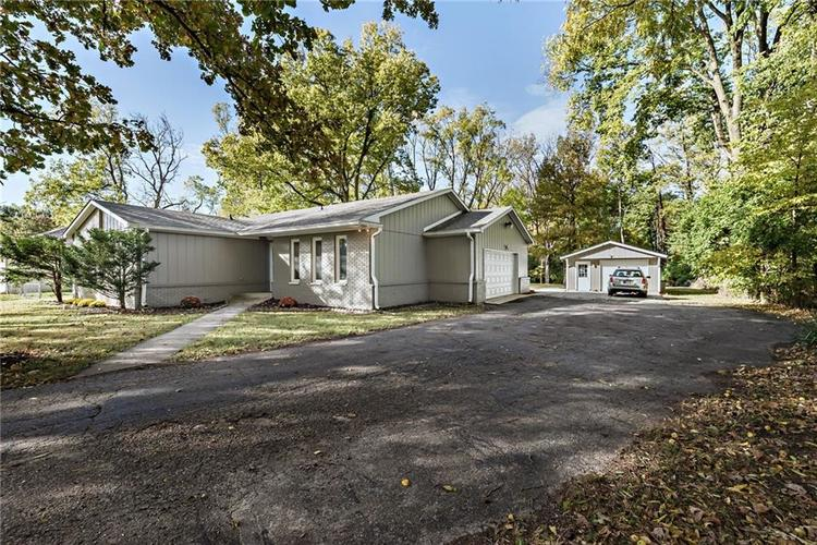 4902 GUION Road Indianapolis, IN 46254 | MLS 21672990 | photo 2