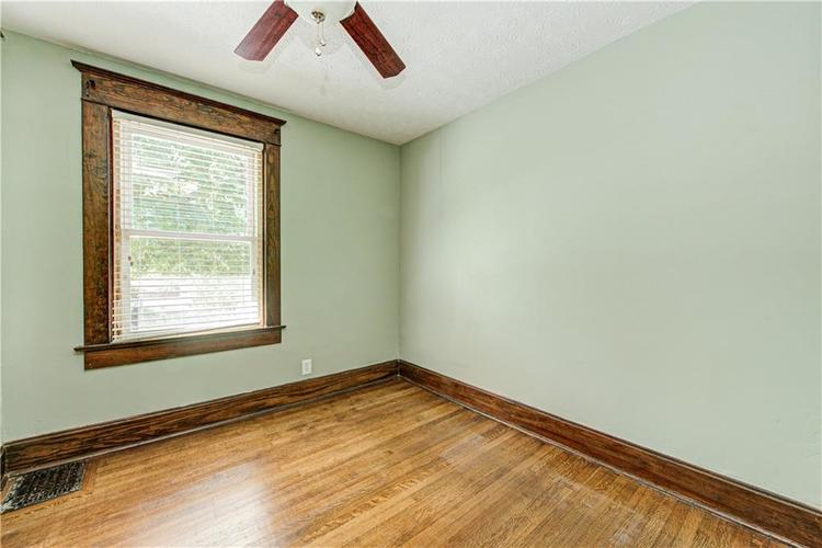 811 Spruce St Indianapolis, IN 46203 | MLS 21673178 | photo 37
