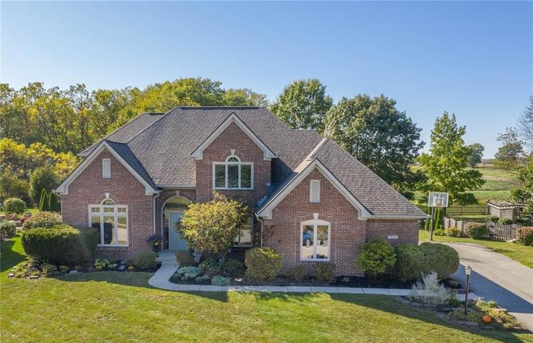 21311 Oakview Drive Noblesville, IN 46062 | MLS 21673269 | photo 1
