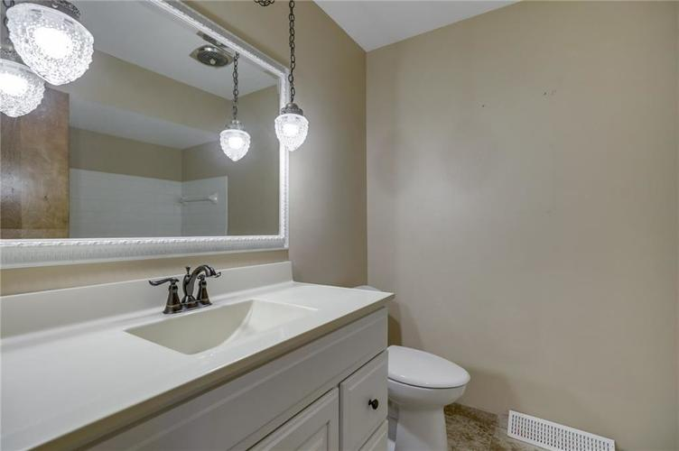 3955 Shadow Hill Court Greenwood, IN 46142 | MLS 21673358 | photo 24
