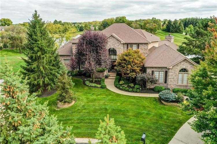 4533 Thicket Trace Zionsville, IN 46077 | MLS 21673414 | photo 2