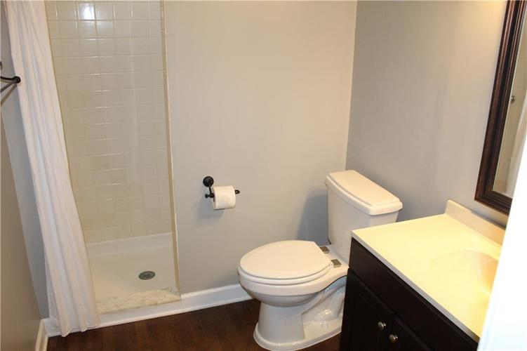 6513 Park Central Drive W #C Indianapolis, IN 46260   MLS 21673428   photo 10