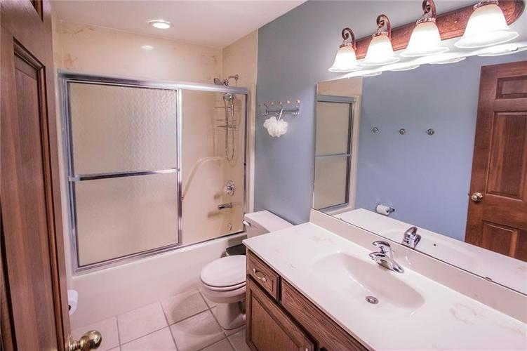 8528 Tidewater Drive Indianapolis, IN 46236 | MLS 21673549 | photo 13