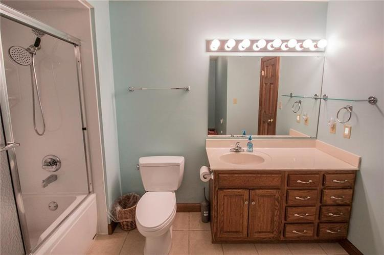 8528 Tidewater Drive Indianapolis, IN 46236 | MLS 21673549 | photo 15