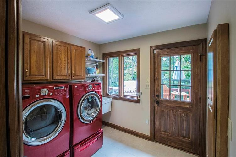 8528 Tidewater Drive Indianapolis, IN 46236 | MLS 21673549 | photo 16