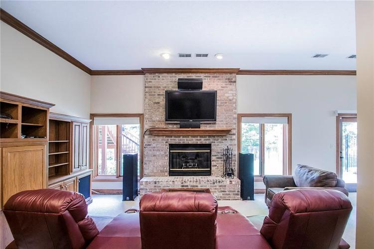 8528 Tidewater Drive Indianapolis, IN 46236 | MLS 21673549 | photo 17