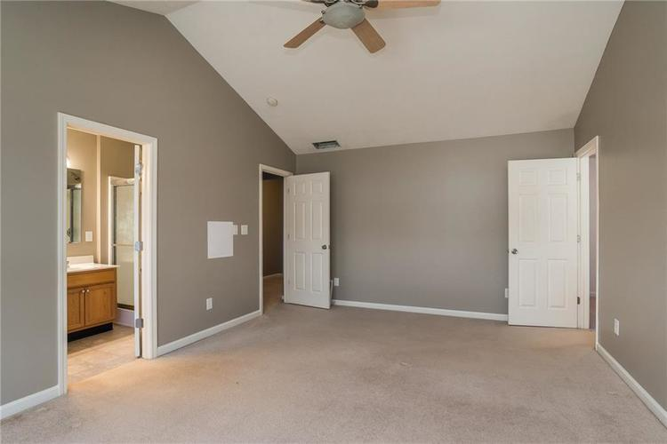 10910 Perry Pear Drive Zionsville, IN 46077 | MLS 21673580 | photo 14