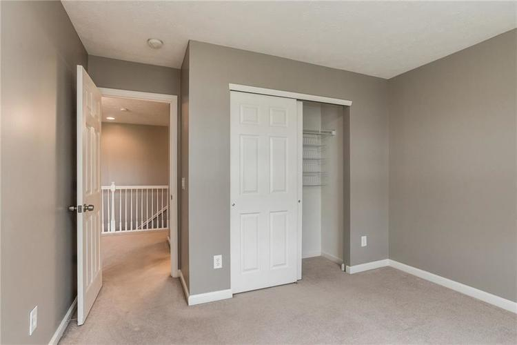10910 Perry Pear Drive Zionsville, IN 46077 | MLS 21673580 | photo 18