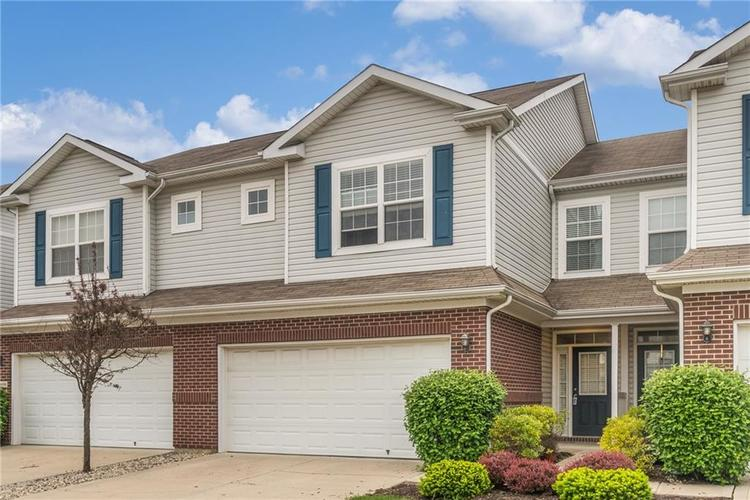 10910 Perry Pear Drive Zionsville, IN 46077 | MLS 21673580 | photo 2