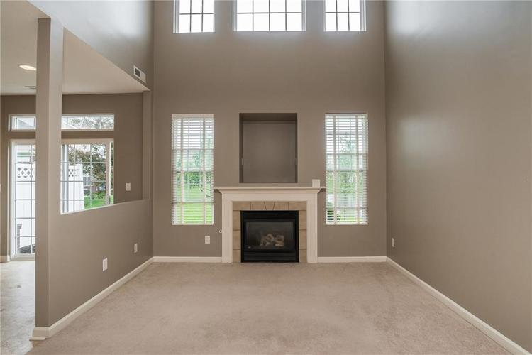 10910 Perry Pear Drive Zionsville, IN 46077 | MLS 21673580 | photo 6