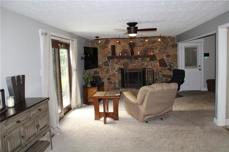 3591 E Pioneer Circle Mooresville, IN 46158   MLS 21673603   photo 9