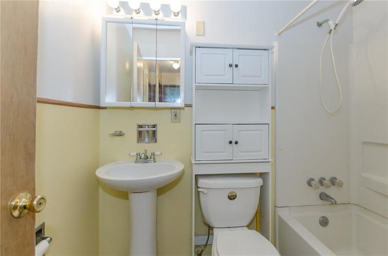 8116 E 37th Place Indianapolis, IN 46226 | MLS 21673604 | photo 15