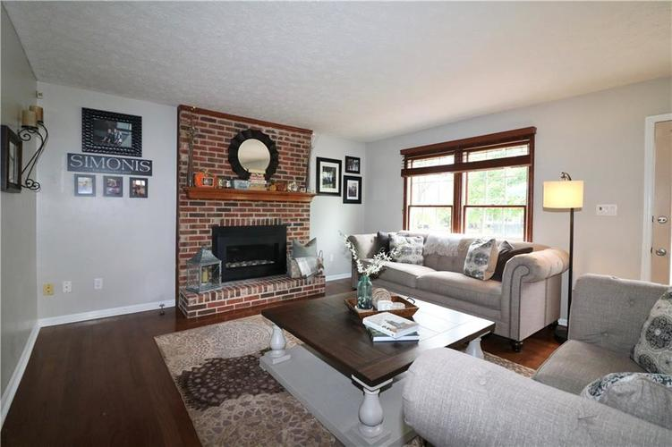 8419 Eastbay Drive Indianapolis, IN 46236 | MLS 21673615 | photo 10