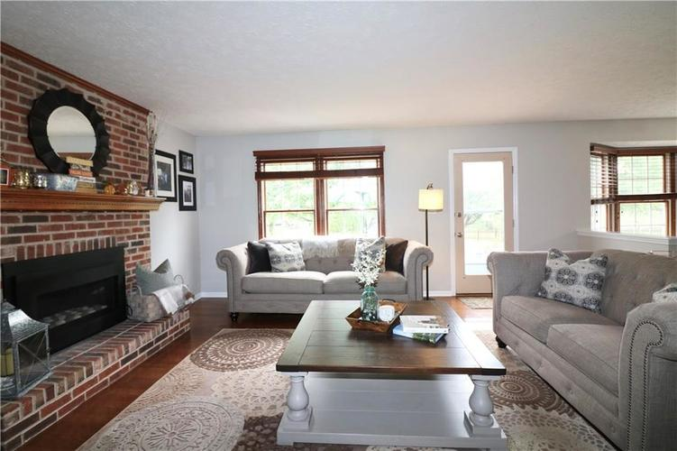 8419 Eastbay Drive Indianapolis, IN 46236 | MLS 21673615 | photo 11