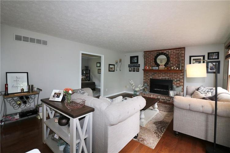 8419 Eastbay Drive Indianapolis, IN 46236 | MLS 21673615 | photo 12