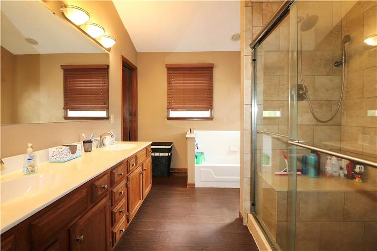 8419 Eastbay Drive Indianapolis, IN 46236 | MLS 21673615 | photo 24
