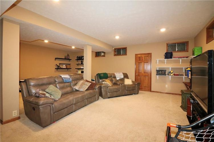 8419 Eastbay Drive Indianapolis, IN 46236 | MLS 21673615 | photo 34
