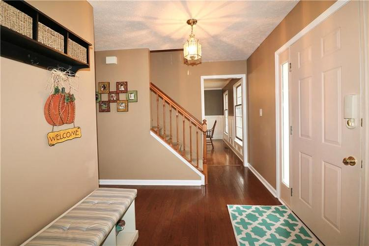 8419 Eastbay Drive Indianapolis, IN 46236 | MLS 21673615 | photo 8
