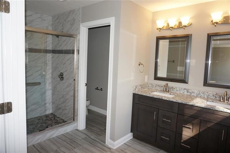 9737 Thorne Cliff Way #103 Fishers, IN 46037 | MLS 21673633 | photo 10