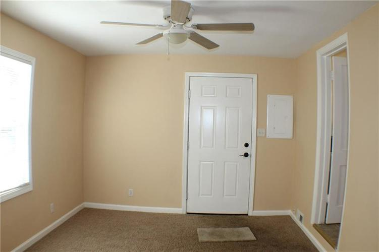 1615 E Southport Road Indianapolis IN 46227 | MLS 21673667 | photo 10