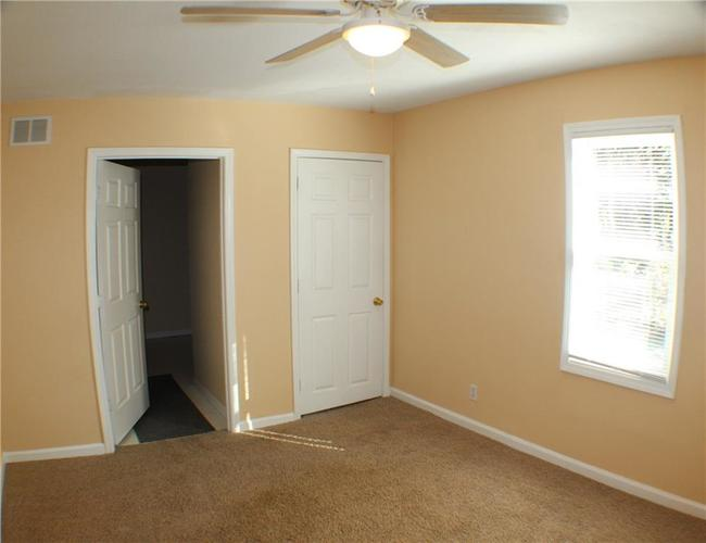 1615 E Southport Road Indianapolis IN 46227 | MLS 21673667 | photo 11