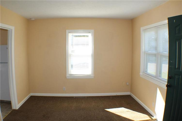 1615 E Southport Road Indianapolis IN 46227 | MLS 21673667 | photo 12