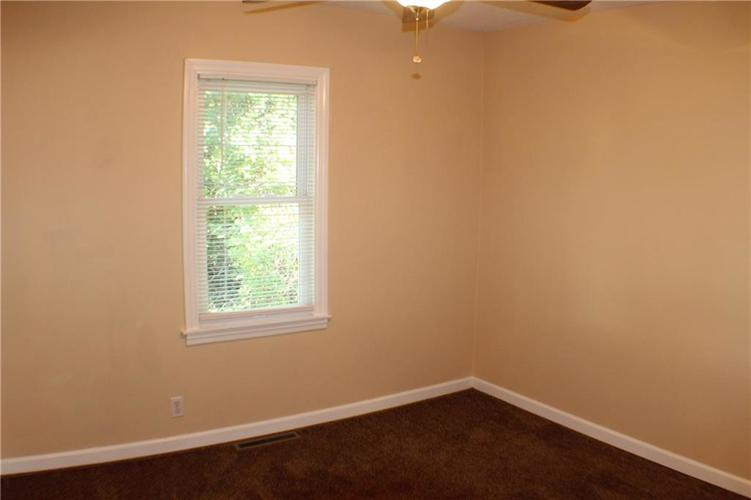 1615 E Southport Road Indianapolis IN 46227 | MLS 21673667 | photo 17