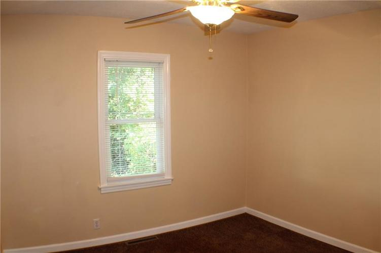 1615 E Southport Road Indianapolis IN 46227 | MLS 21673667 | photo 18
