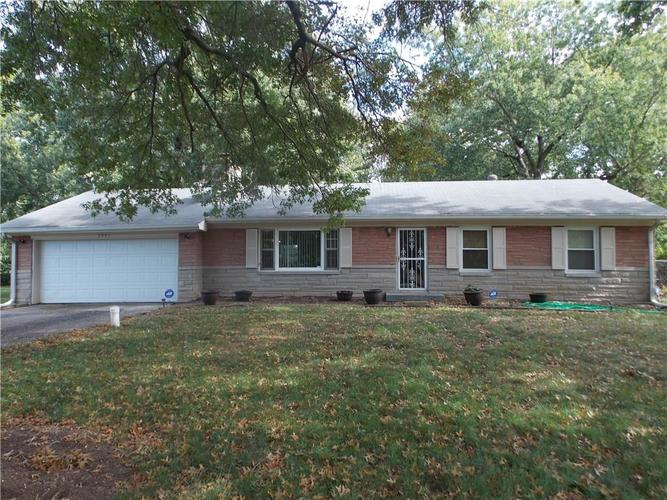 4901 BEECH Drive Indianapolis, IN 46254   MLS 21673768   photo 1