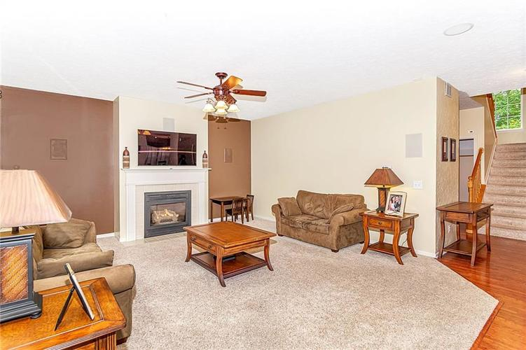 8745 Providence Drive Fishers, IN 46038 | MLS 21673827 | photo 5