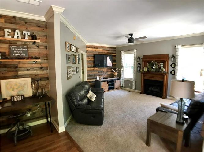 2428 WHISPERING WAY Indianapolis, IN 46239   MLS 21673840   photo 8