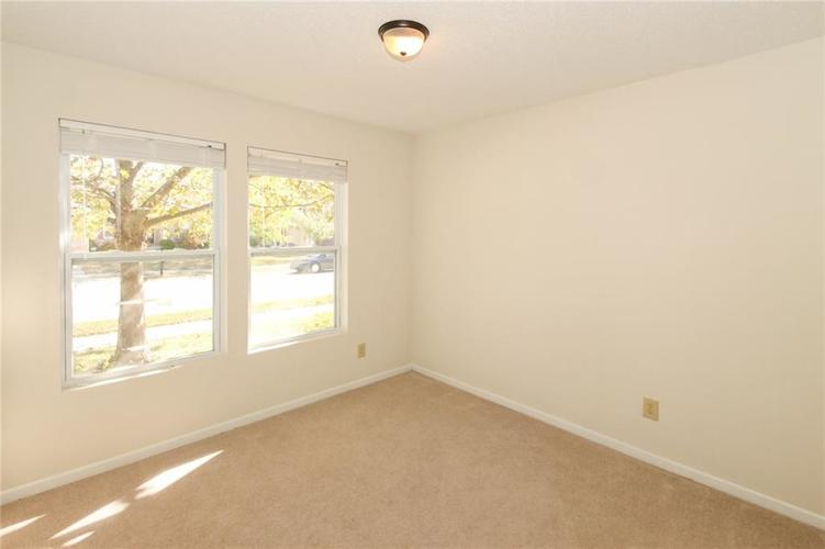 5706 Grassy Bank Drive Indianapolis, IN 46237   MLS 21673841   photo 18