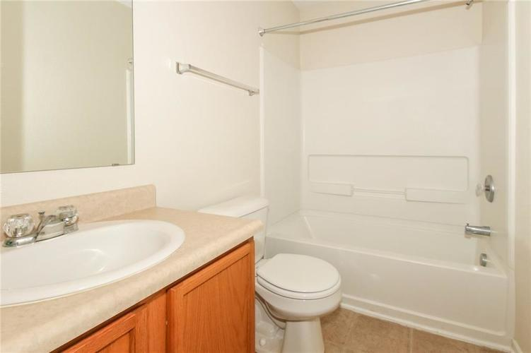 5706 Grassy Bank Drive Indianapolis, IN 46237   MLS 21673841   photo 22