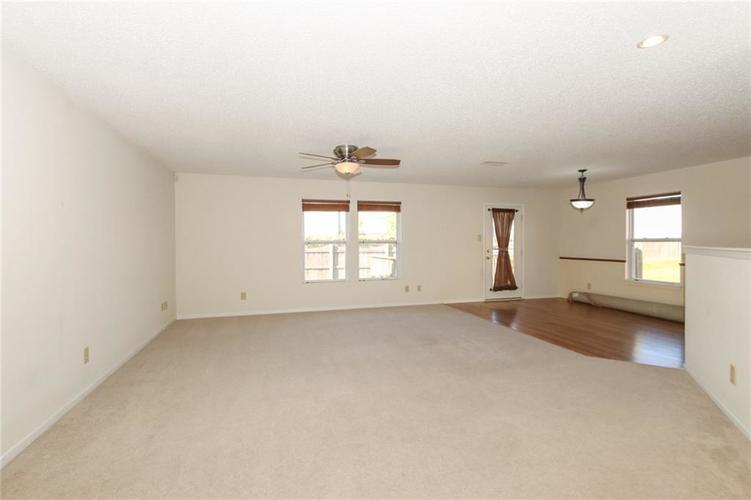 5706 Grassy Bank Drive Indianapolis, IN 46237   MLS 21673841   photo 4