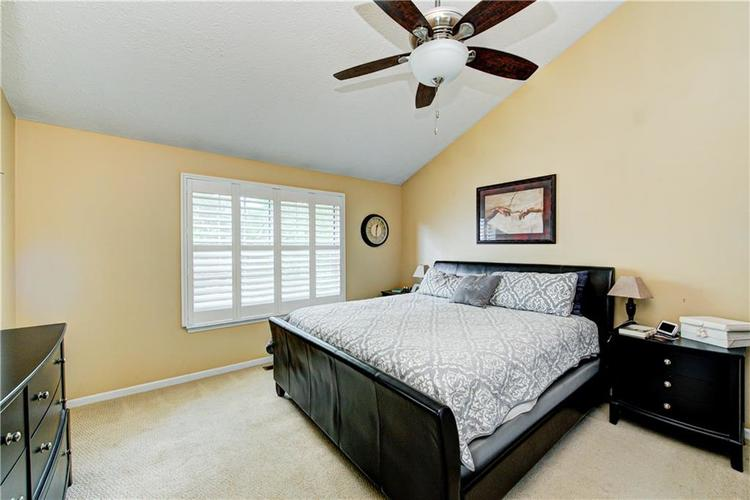 10853 Gate Circle Fishers, IN 46038 | MLS 21673890 | photo 18