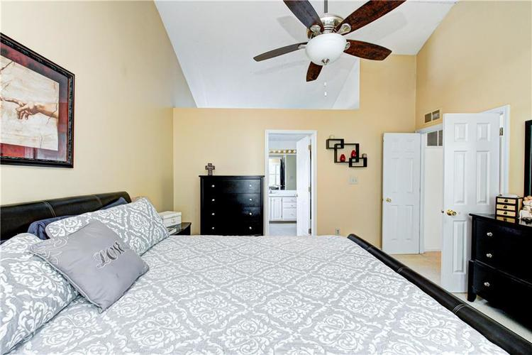 10853 Gate Circle Fishers, IN 46038 | MLS 21673890 | photo 20