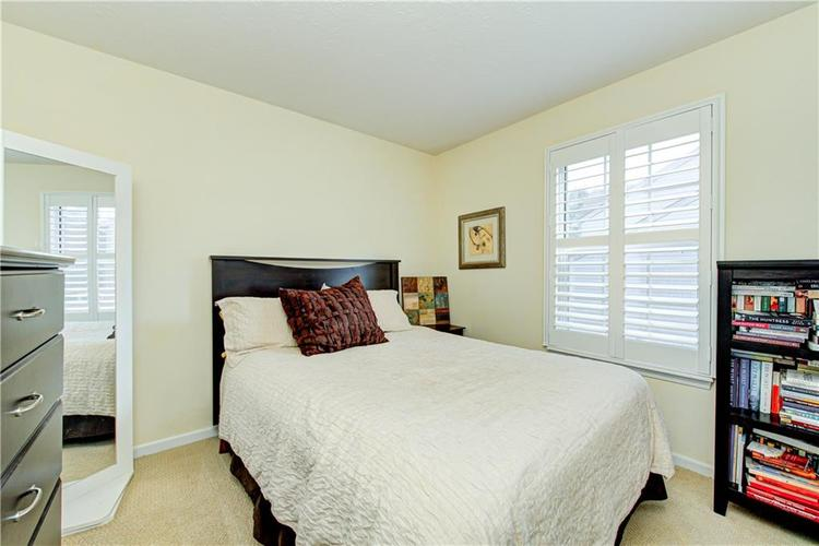 10853 Gate Circle Fishers, IN 46038 | MLS 21673890 | photo 25