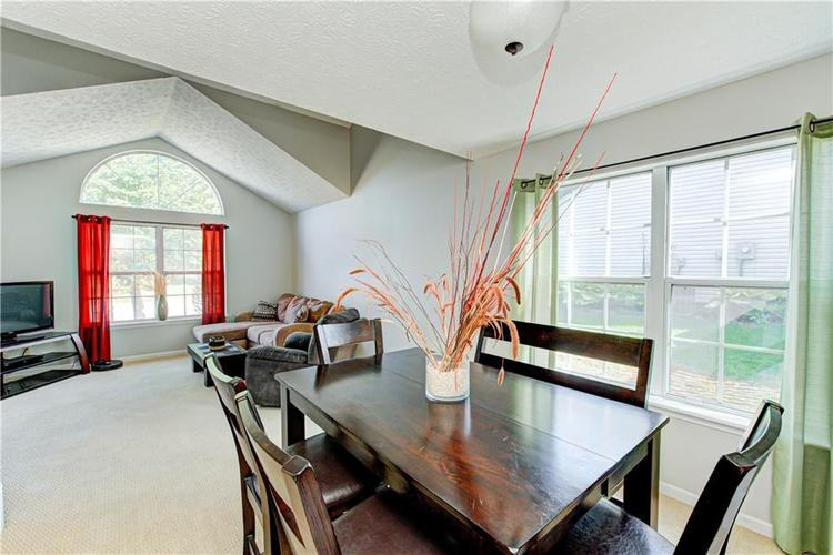 10853 Gate Circle Fishers, IN 46038 | MLS 21673890 | photo 7