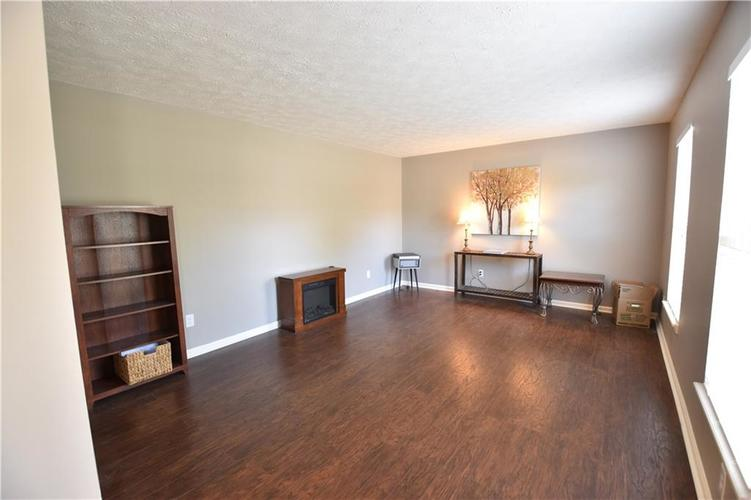 8359 Glen Highlands Drive Indianapolis, IN 46236 | MLS 21673909 | photo 17