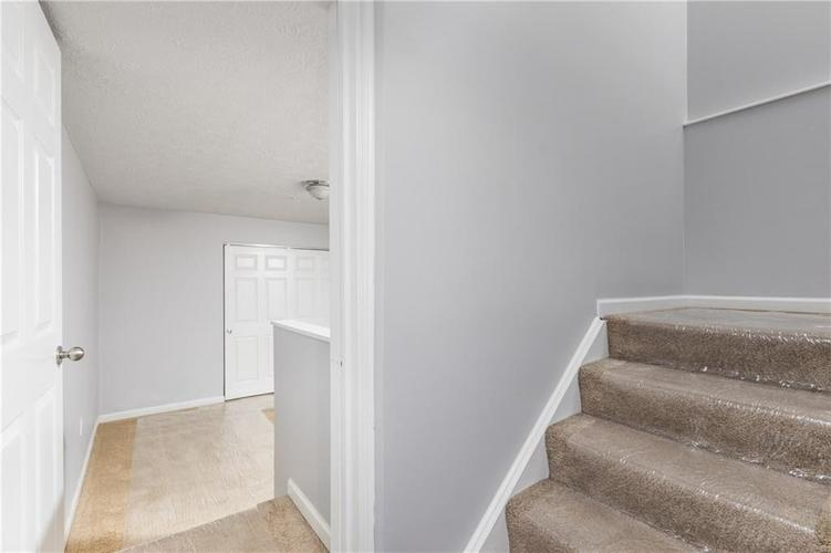 6593 RESERVE Drive Indianapolis, IN 46220 | MLS 21673910 | photo 11