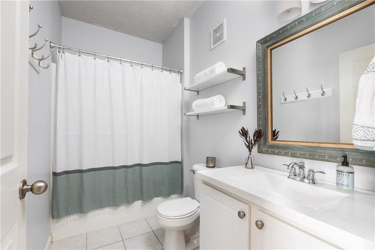 6593 RESERVE Drive Indianapolis, IN 46220 | MLS 21673910 | photo 13