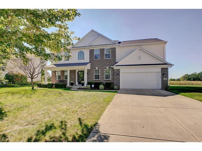 14294  Autumn Woods Drive Carmel, IN 46074 | MLS 21673927