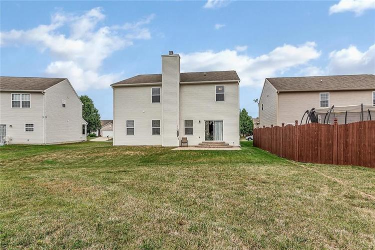 11145 Cool Winds Way Fishers, IN 46037 | MLS 21673936 | photo 3