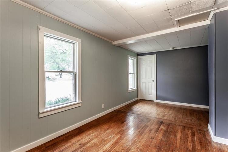1011 E 75th Street Indianapolis, IN 46240 | MLS 21674034 | photo 18