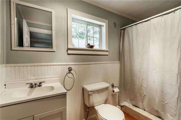 1011 E 75th Street Indianapolis, IN 46240 | MLS 21674034 | photo 21