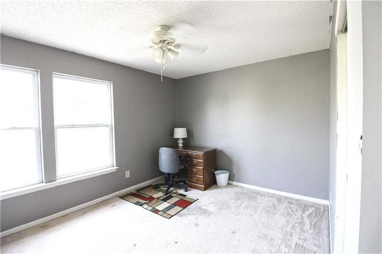 2176 Bridlewood Drive Franklin, IN 46131 | MLS 21674109 | photo 12