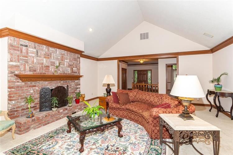 8131 Bounty Court Indianapolis, IN 46236 | MLS 21674127 | photo 6
